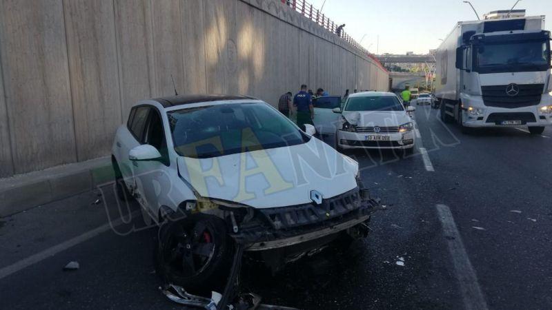 Urfa'da otomobiller çarpıştı: Yaralılar var!