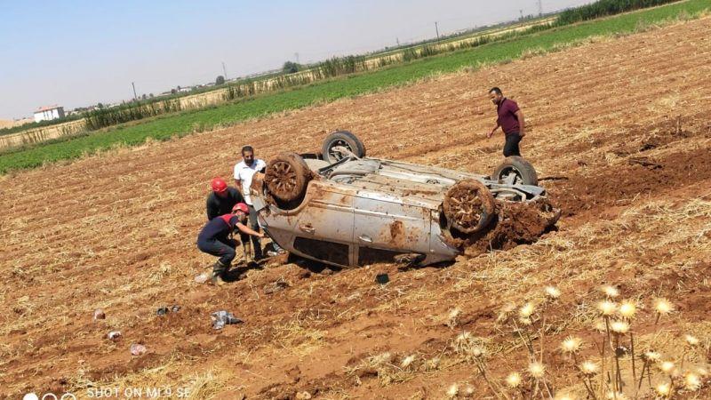 Urfa'da araç tarlaya uçtu
