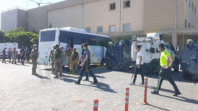 Viranşehir'de esnaflar arasında kavga: Yaralılar var!