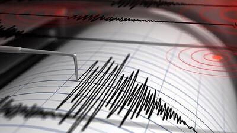 Gece yarısı 5.3 büyüklüğünde korkutan deprem