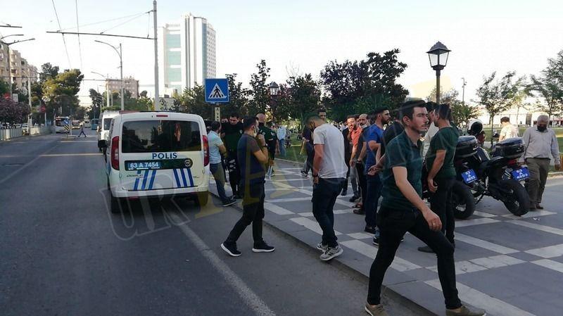 Şanlıurfa'da sokak ortasında kavga: Yaralılar ve gözaltı var!
