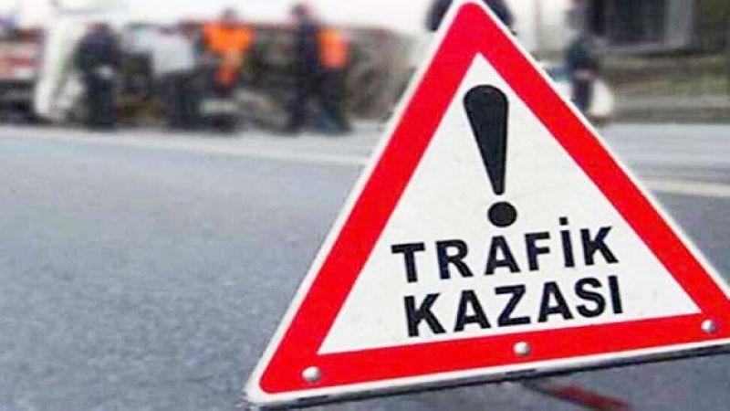 Şanlıurfa'da araç bariyerlere çarptı: Yaralılar var