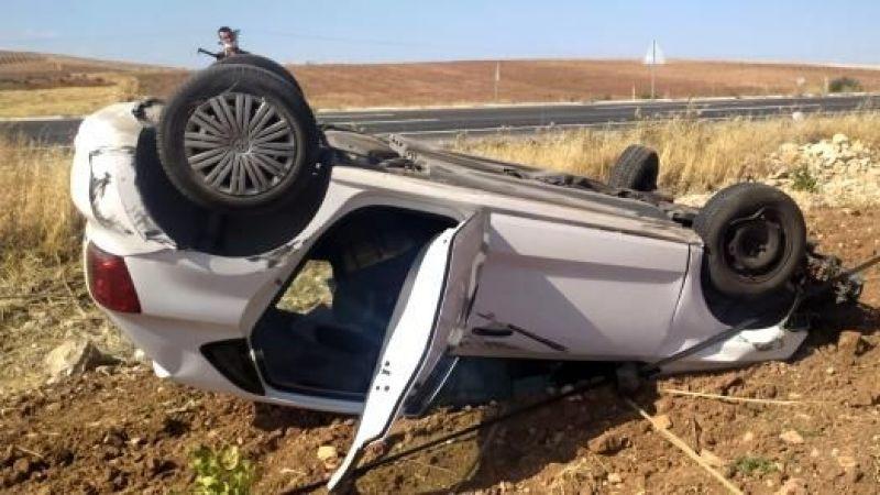 Bozova yolunda feci kaza: Tarlaya uçtu