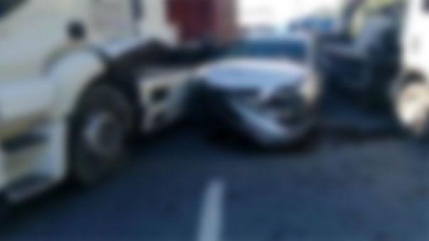 Şanlıurfa'da otomobil tıra arkadan çarptı: Yaralılar var