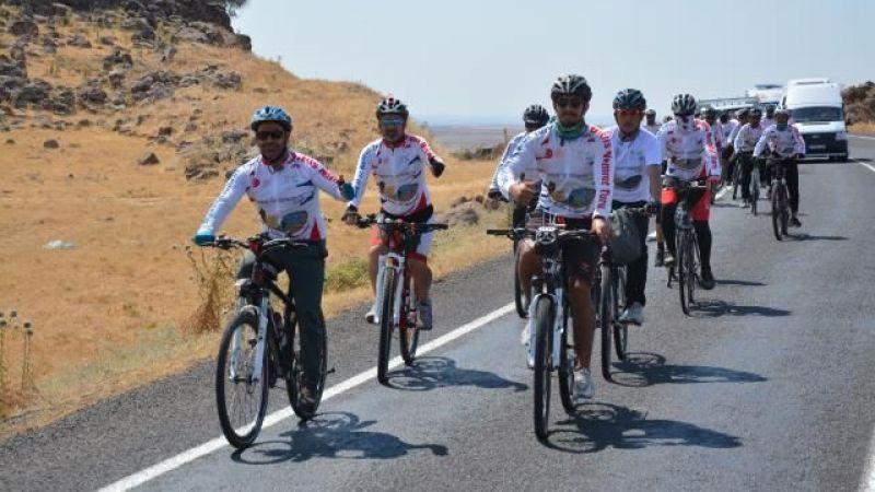 Bisiklet tutkunları Takoran Vadisine hayran kaldı