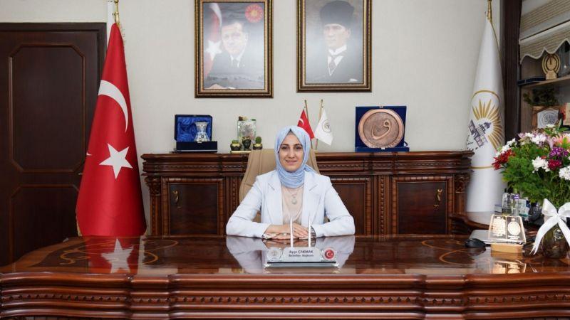 """Başkan Ayşe Çakmak, """"Milletimizin tek yürek olacağını hesap edemediler"""""""