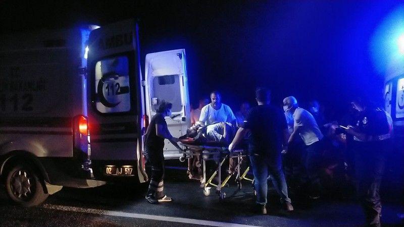 Bayram yolunda feci kaza: Çok sayıda yaralı var