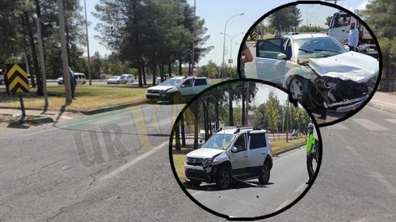 Viranşehir'de iki otomobil çarpıştı