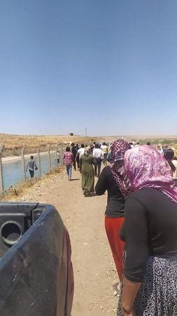 Urfa'da genç kız sulama kanalına düştü!