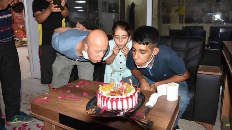 Siverek'te Talasemi hastasına markette doğum günü sürprizi