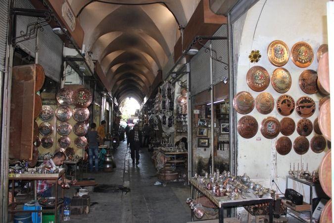 Şanlıurfa'da ziyaretçilere farklı bir atmosfer yaşatan pazar