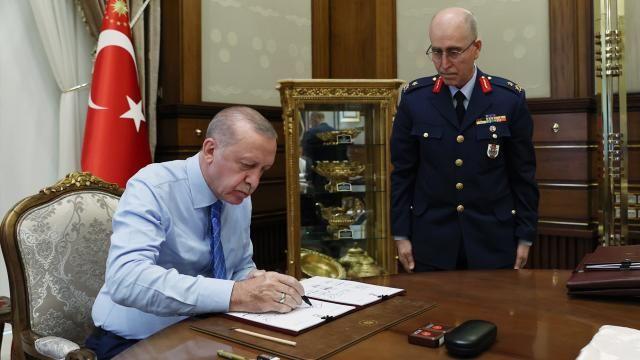 Erdoğan YAŞ kararlarını onayladı! İşte yeni atama ve terfiler