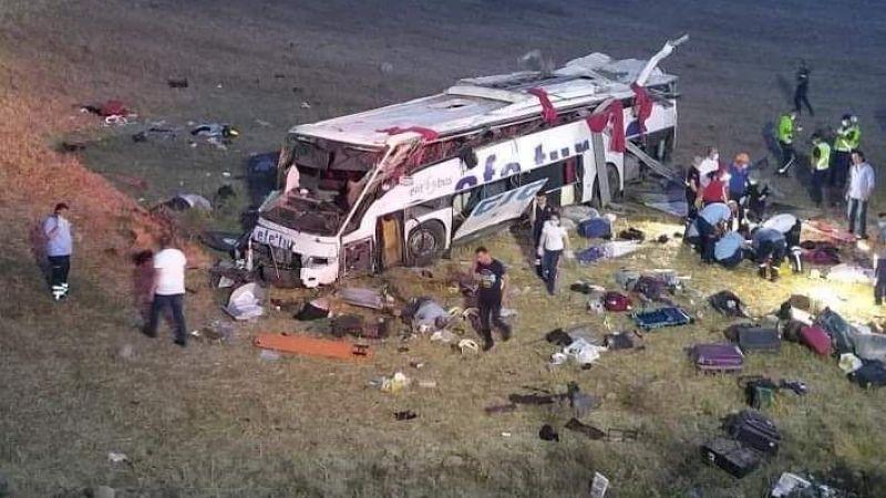 Yolcu otobüsü takla attı: 14 ölü, 18 yaralı