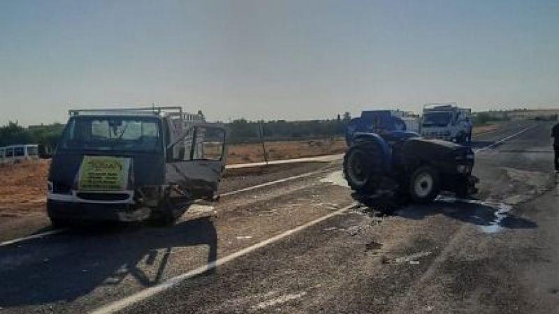 Urfa'da transit ile traktör çarpıştı