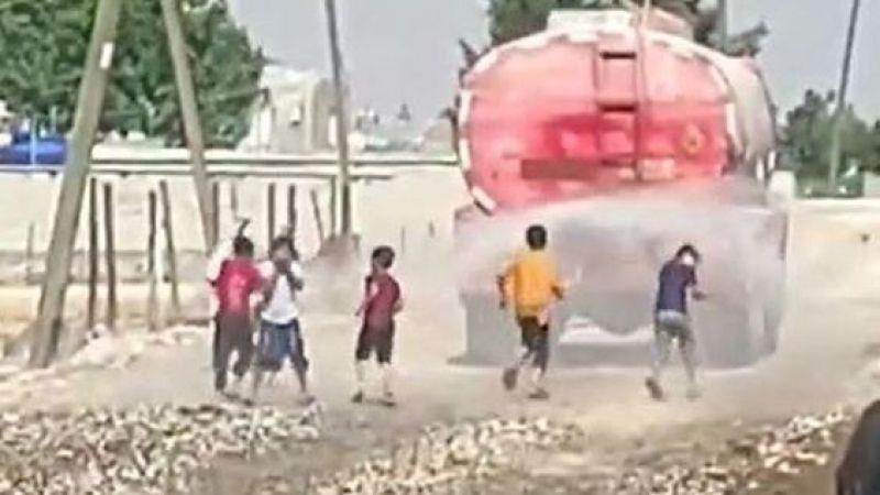 Şanlıurfa'da çocuklar dayanamadı artık: Peşinden koştular!