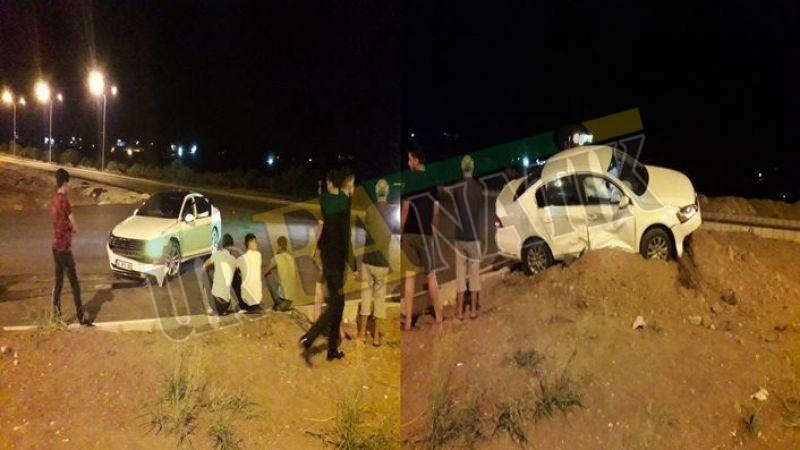 Şanlıurfa'da gece yarısı iki otomobil çarpıştı