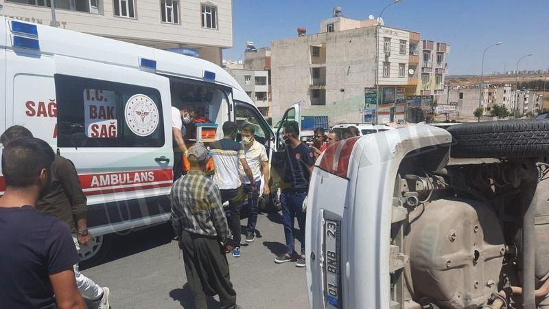 Urfa'da hız yapan otomobil ortalığı yıktı geçti!