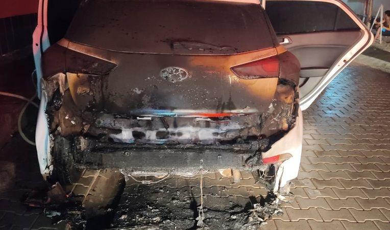 Urfa'da otomobil alev alev yandı!