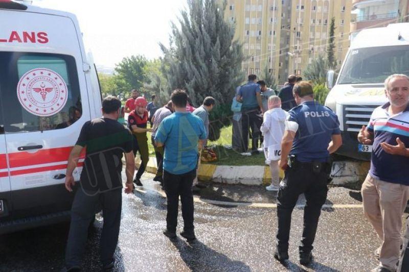 Urfa'da iş makinesi okul servisine çarptı: Çok sayıda yaralı!