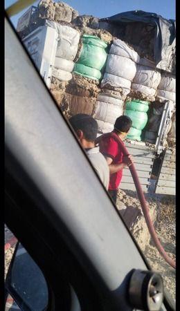 Urfa'da balya yüklü tır alev aldı
