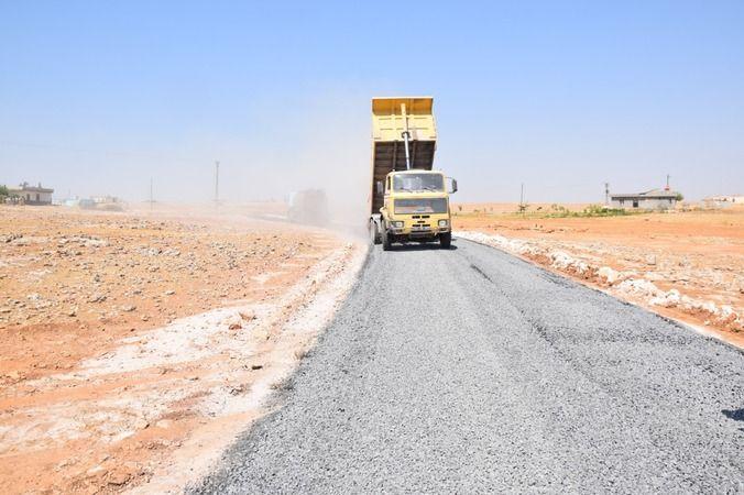 Viranşehir'de asfalt atağı devam ediyor