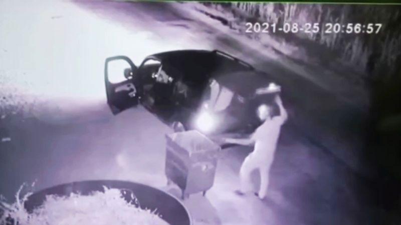 Urfa'da pes dedirten hırsızlık kameraya böyle yansıdı