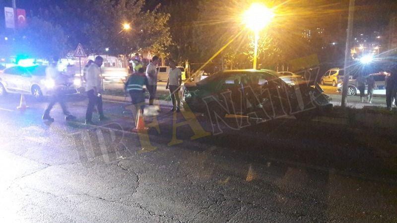 Urfa'da otomobil karşı şeride uçtu: Yaralılar var!