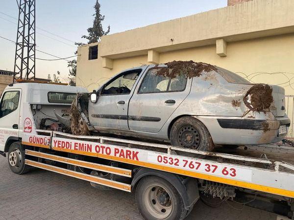 Urfa'da otomobil şarampole uçtu, sürücü yaralandı!