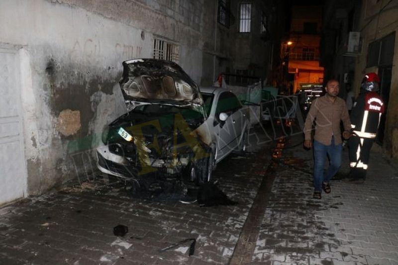 Şanlıurfa'da araçları benzin dökerek yaktılar!