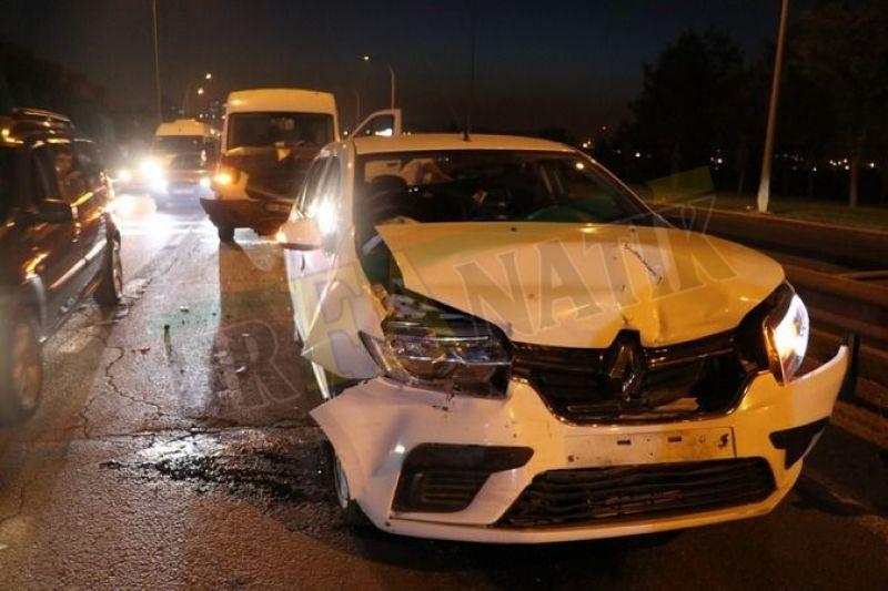Urfa'da 5 araç birbirine girdi, trafik kilitlendi!
