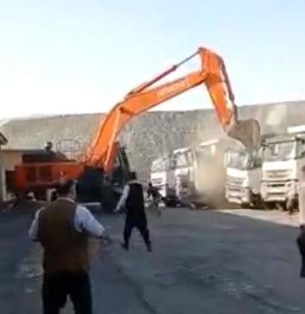 Parasını alamadığı için kamyonları parçalamıştı: Olay çok farklı!