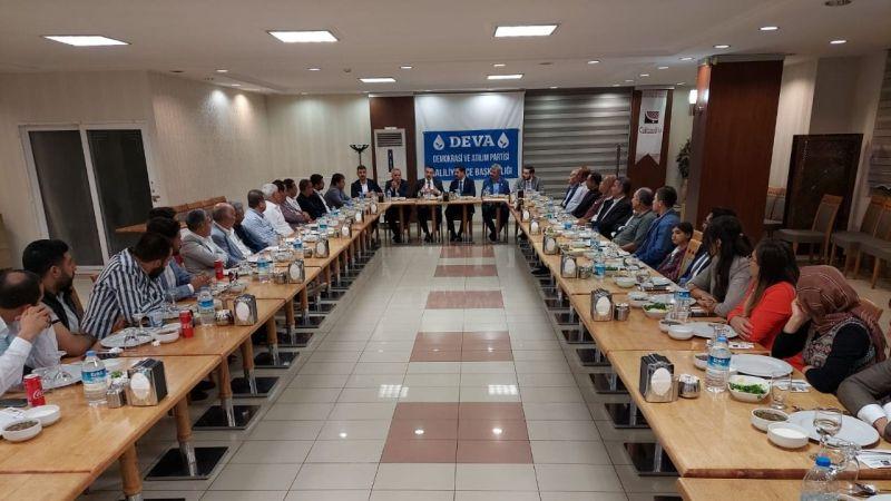 Urfa'da Deva partisi muhtarları ağırladı