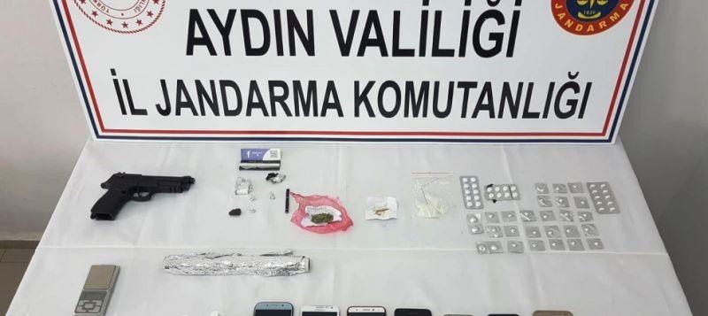 Aydın jandarmasından uyuşturucu tacirlerine 3 ilçede eş zamanlı operasyon: 11 gözaltı