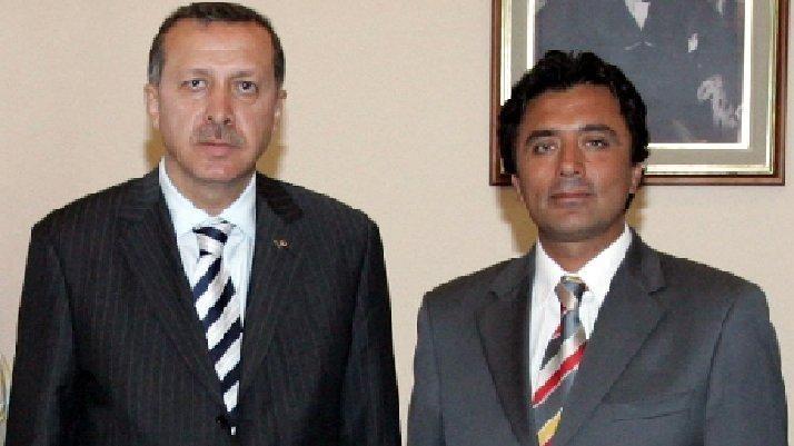 """AKP'li eski başkan, """"AK Parti artık ak değildir"""" deyip partisinden istifa etti"""