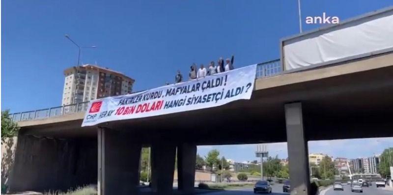 '128 milyar dolar nerede?' afişlerinin ardından olay yaratacak yeni pankart! CHP'li vekil kendi elleriyle astı