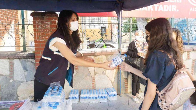 Aydın Büyükşehir Belediyesi LGS Sınavına giren öğrencilerin yanında oldu