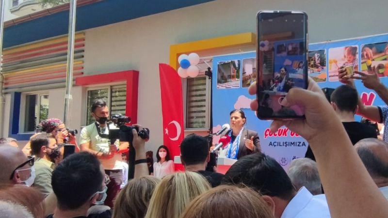 Topuklu Efe Çocuk Gelişim Merkezi'nin açılışını annelerle beraber yaptı