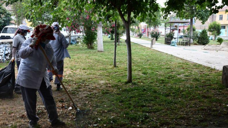 Söke Belediyesi saha ekipleri kapsamlı temizlik çalışmalarını sürdürüyor