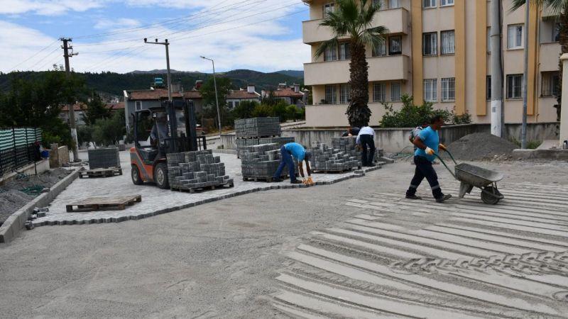 Söke Belediyesi yol yapım çalışmalarına devam ediyor