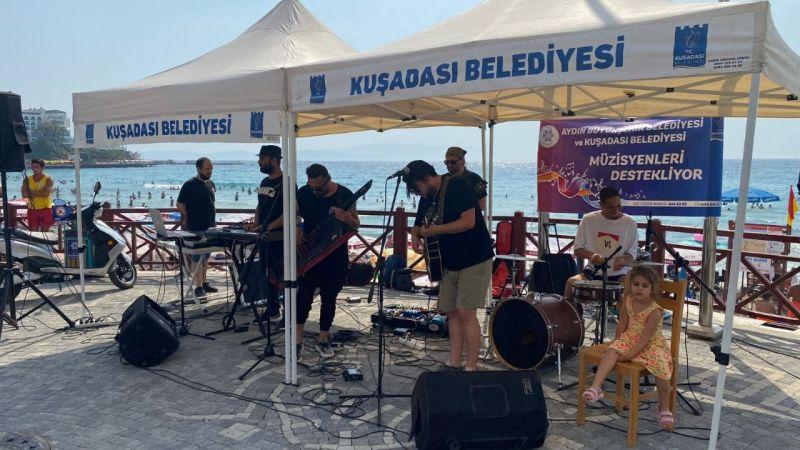 Aydın Büyükşehir Belediyesi ile Kuşadası Belediyesi müzisyenlere desteğini sürdürüyor