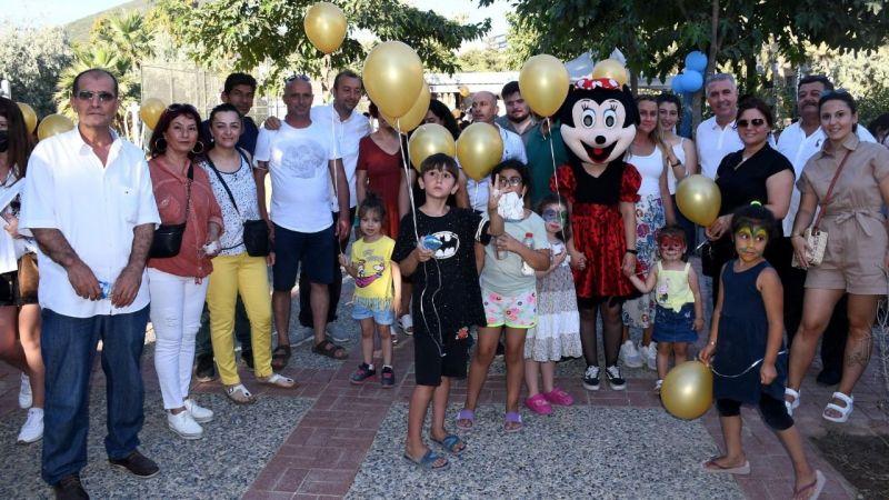 Kuşadası Belediyesi çocukların karne sevincine ortak oldu
