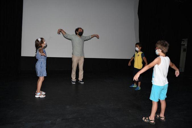 Çocuklara yönelik yaratıcı drama eğitimi kaldığı yerden devam ediyor