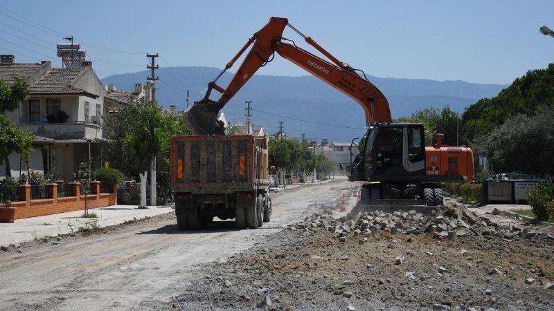 Yol yapım seferberliği yaz nüfusunun arttığı bölgelere yoğunlaştı
