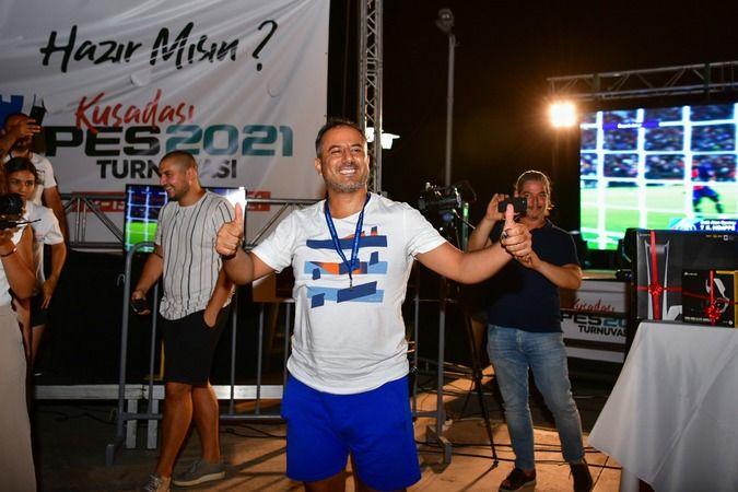 Kuşadası PES 2021 Turnuvası'nın kazananı belli oldu
