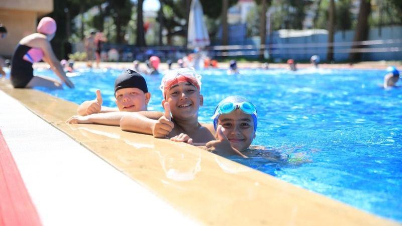 Büyükşehir Belediyesi Çine'de yüzme kursu düzenliyor