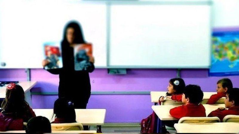 Öğrencileriyle beraber 'satılık' okullar