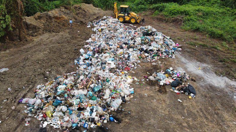 AKP'li belediye çöpleri ormana dökerken yakalandı