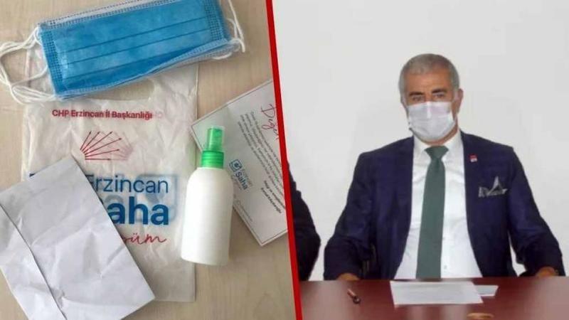 CHP'li başkanın toplantısında gazetecilere zarf içinde para dağıtıldı