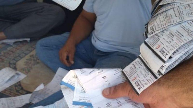 Elektrik faturaları toplu halde cami avlusuna bırakıldı
