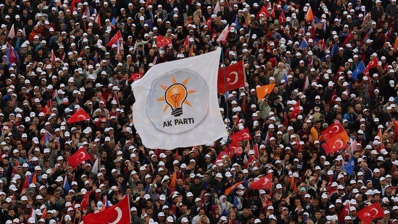 AKP'li meclis üyesinden skandal sözler: Her şey Kemalistlere göre olacakmış, siz kimsiniz o. çocukları...